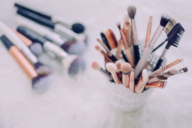nettoyer ses pinceaux de maquillage au naturel
